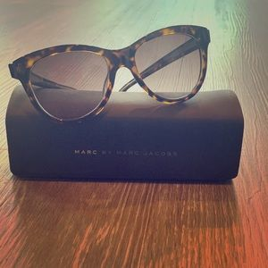 Marc Jacobs Sunglasses with Case & Cloth